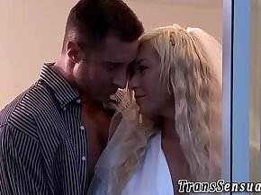 Transsexual gets rimmed